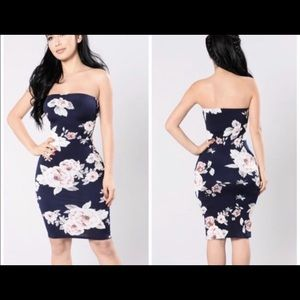 FASHION NOVA Strapless flower tube dress